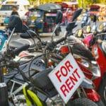Ben ik verzekerd als ik een brommer, motorbike of scooter huur?
