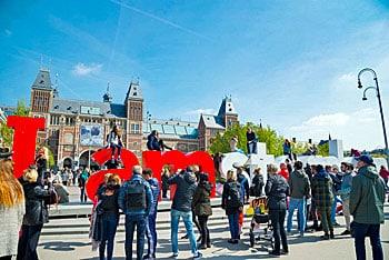Bijna vier op de tien buitenlandse gasten naar Amsterdam